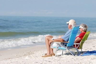 ancianos tomando el sol blog Residencia Avenida de San Luis