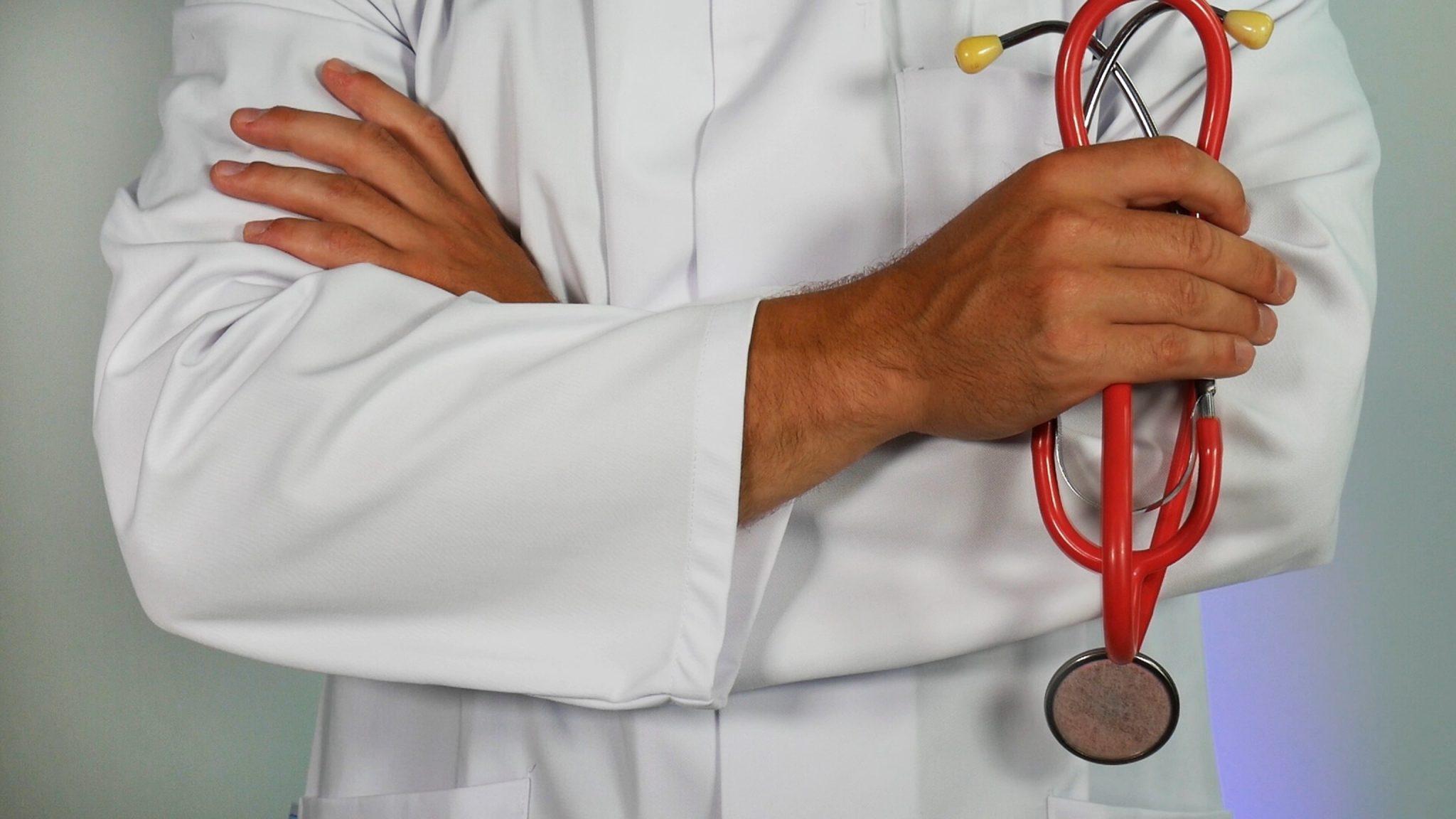 medico fractura cadera